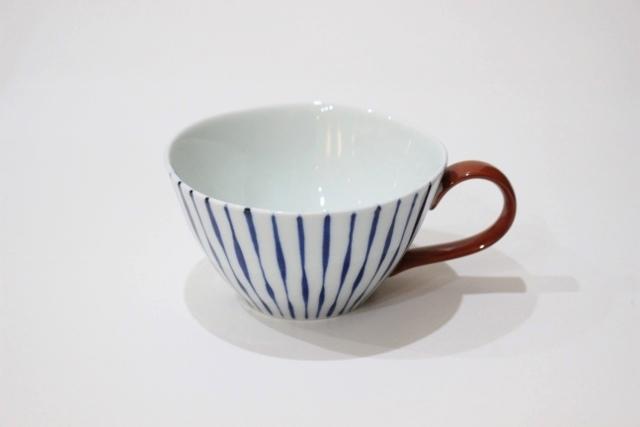 染付<br /> スープカップ(つれづれ十草・取っ手赤)