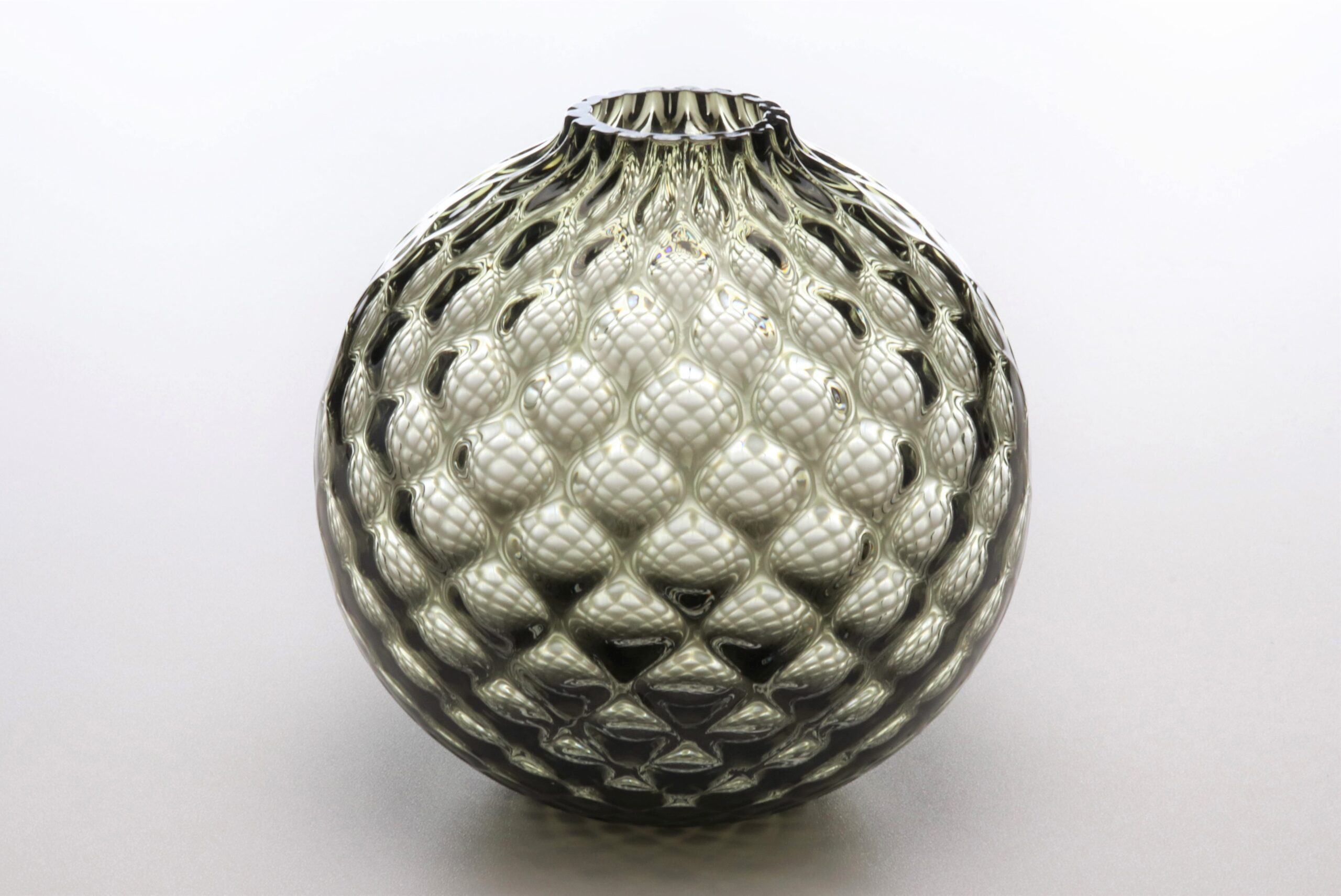 フィオラグリッド<br /> ボール花器(カーボンブラック)