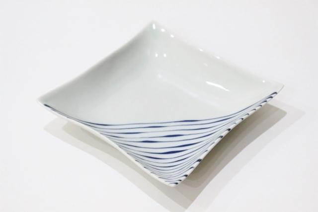 染付<br /> 5寸角浅鉢(つれづれ十草)