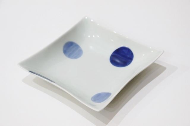 染付<br /> 5寸角浅鉢(二色丸紋)