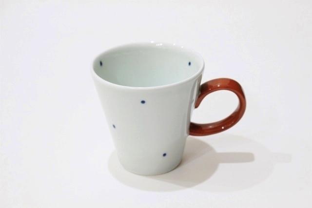 染付<br /> デミマグカップ(水玉・取っ手赤)