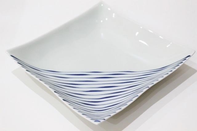 染付<br /> 7.5寸角浅鉢(つれづれ十草)