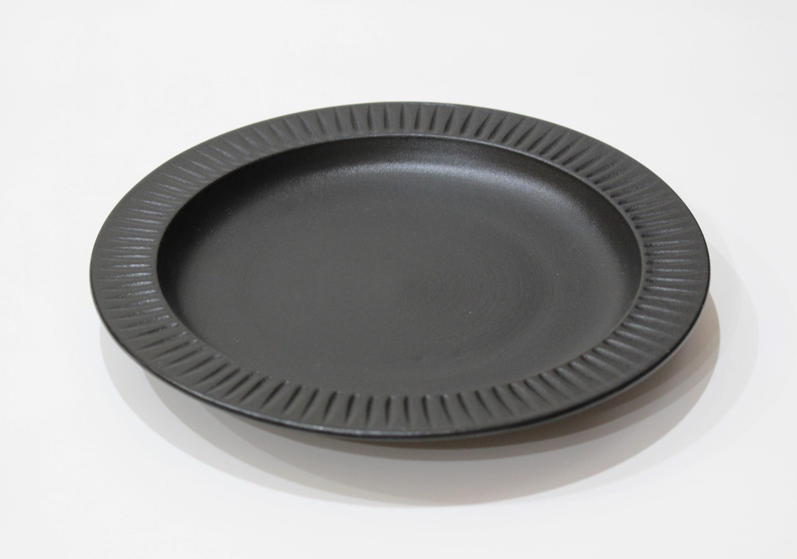 玄鎬<br /> リム付8寸皿